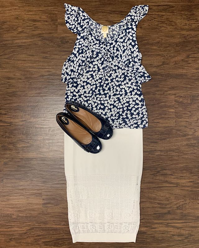 2_time_couture - Happy hump day! Temperatures are still soaring so this cute summer look is perfect! ☀️💋😊 Item 7427 Ric Rac Blouse, size S, 50% off at