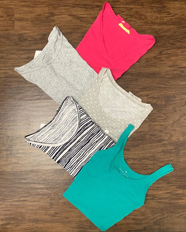 2_time_couture - In need of some basics? We have some great tees here at unbelievable  prices! 😉🛍😍 Item 7771 Teal Banana Republic tank, size M, 70% off at