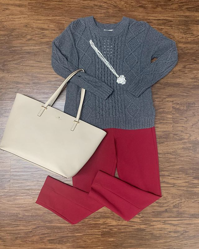 2_time_couture - It's stylin' Saturday, and this great Kate Spade tote is just what you need! 👜💋😍 Item 8907 Madewell sweater, size S,