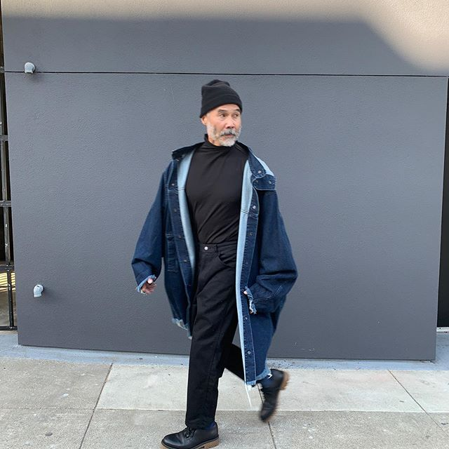 ReLove  - COAT: THE denim dream coat you've been fantasizing about (or is that just us 🤔) ? What else is there to say? @marques_almeida super oversized (men's L) and can honestly fit a number of sizes from XS TO XXL all genders just depends on how you style it of course