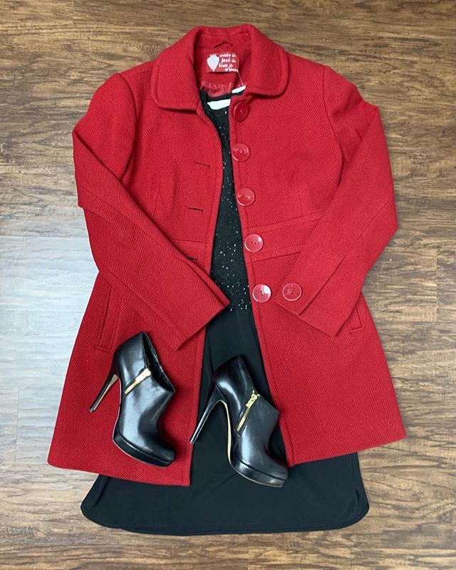 2_time_couture - Thanksgiving dinner ready!!! This outfit is sure to make you look fierce! 🌹💋🛍 Item 9236 Yessica pea coat, size S/M,