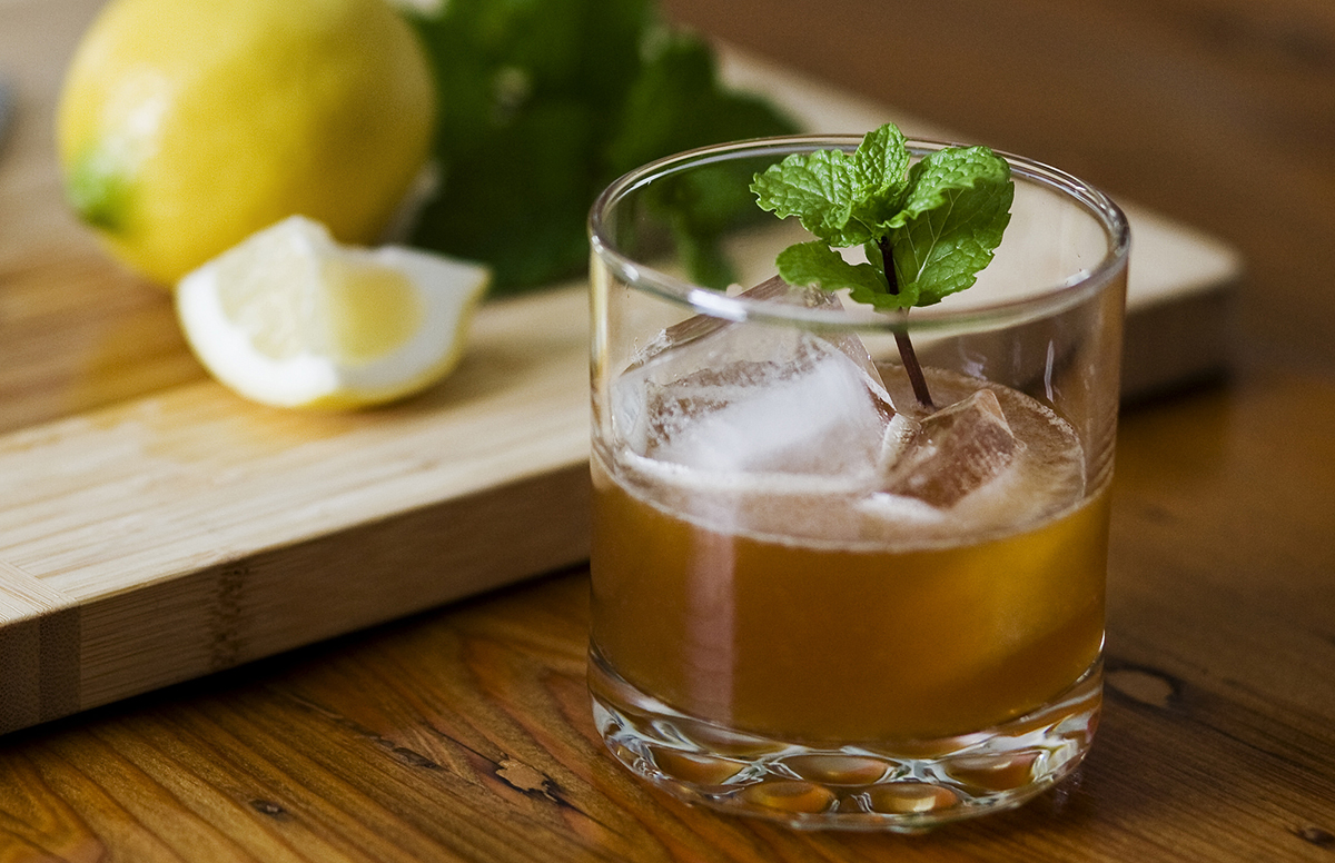 Muddled Drinks: Whiskey Smash