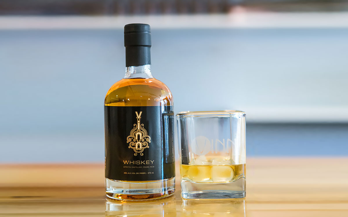 Rice Whisky: Vinn Whiskey on the rocks