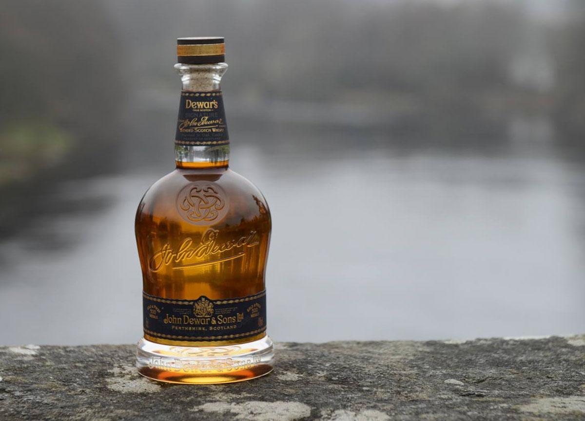 Blended Whiskey: Dewar's Signature