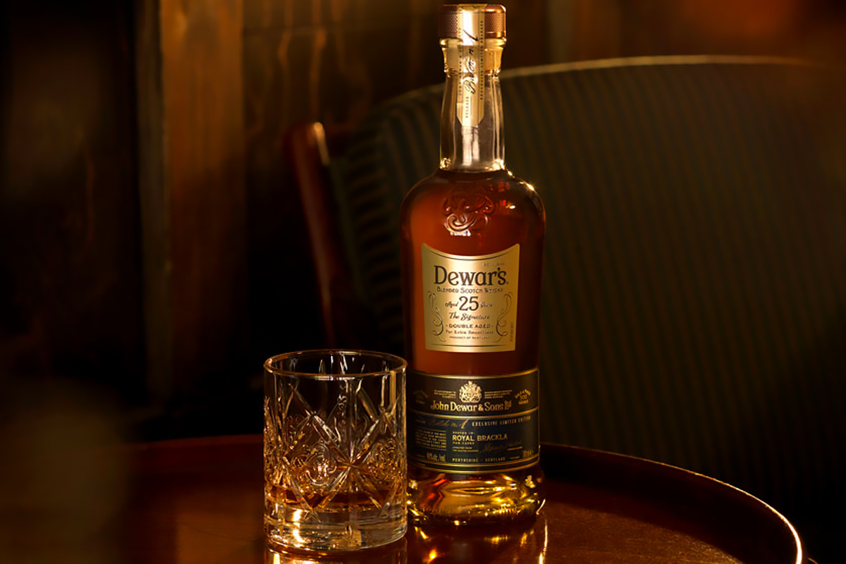 Blended Whiskey: Dewar's 25 Year