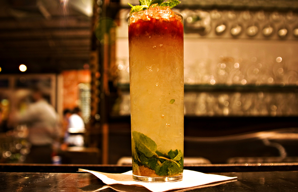 tiki cocktail recipes: Queen's Park Swizzle