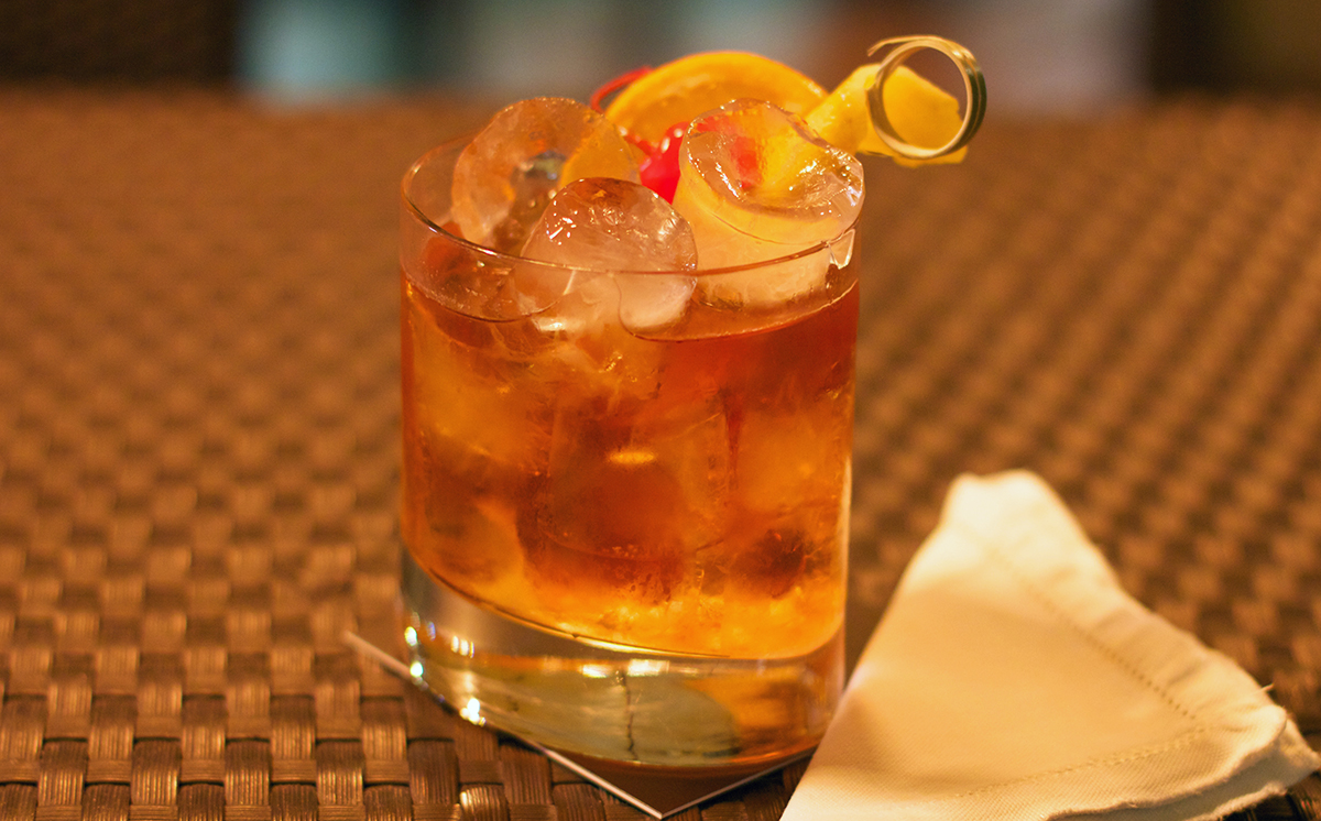 Old Fashioned Cocktail: Old Fashioned with fruit