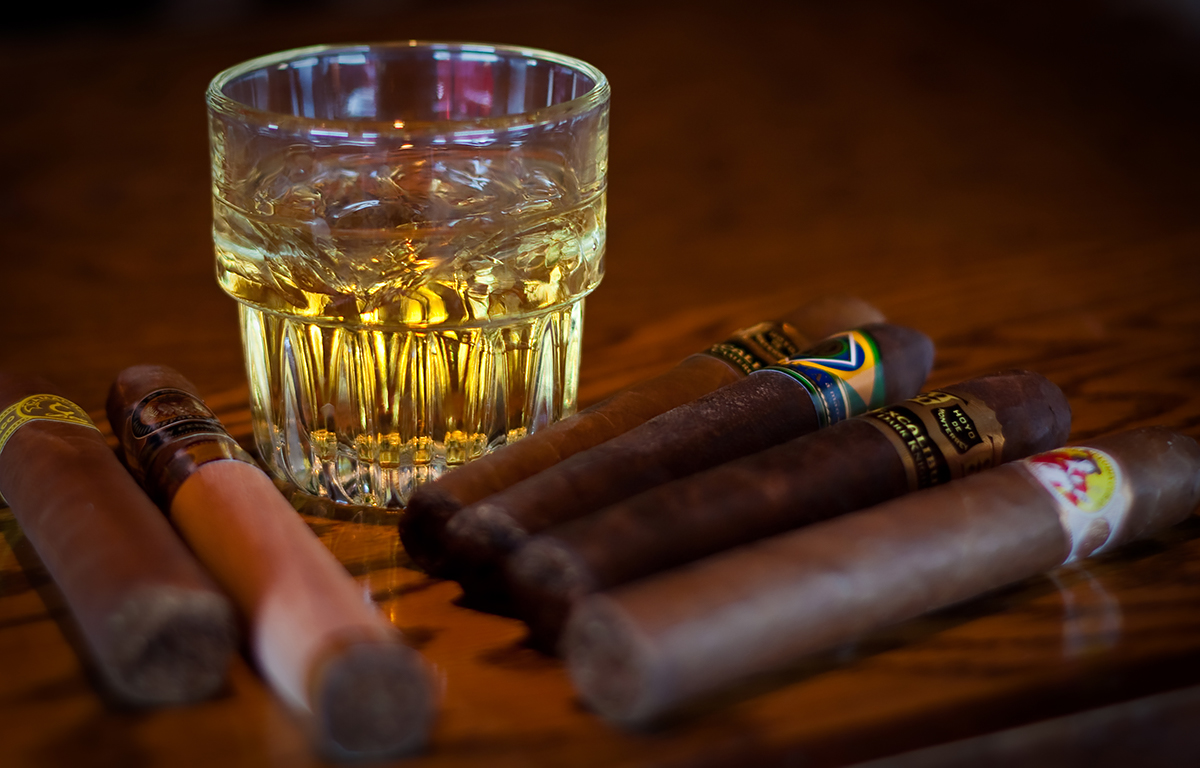 Cigar Whiskey Pairings: Whiskey and cigars