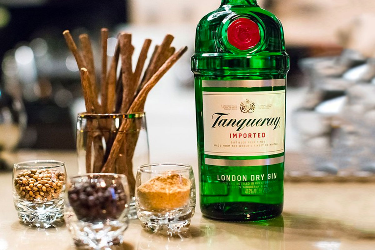 London Dry Gins: Tanqueray London Dry Gin
