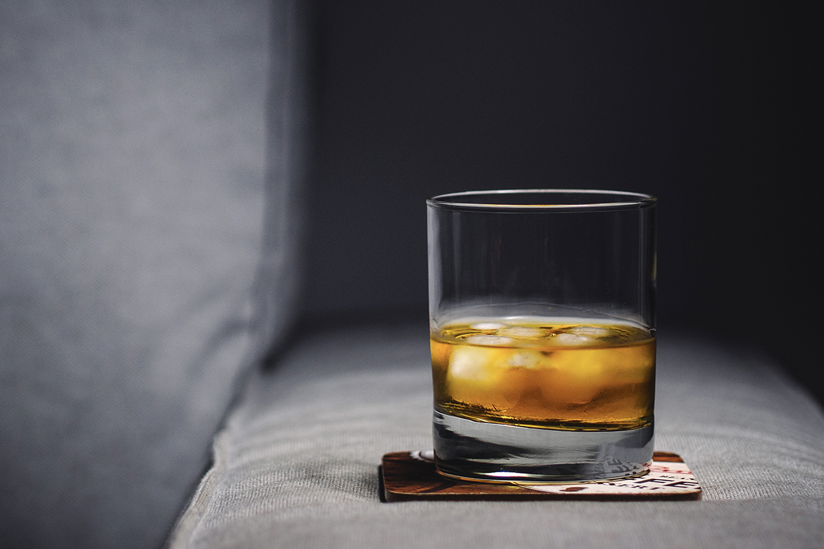 Best Whiskey Glasses: The tumbler