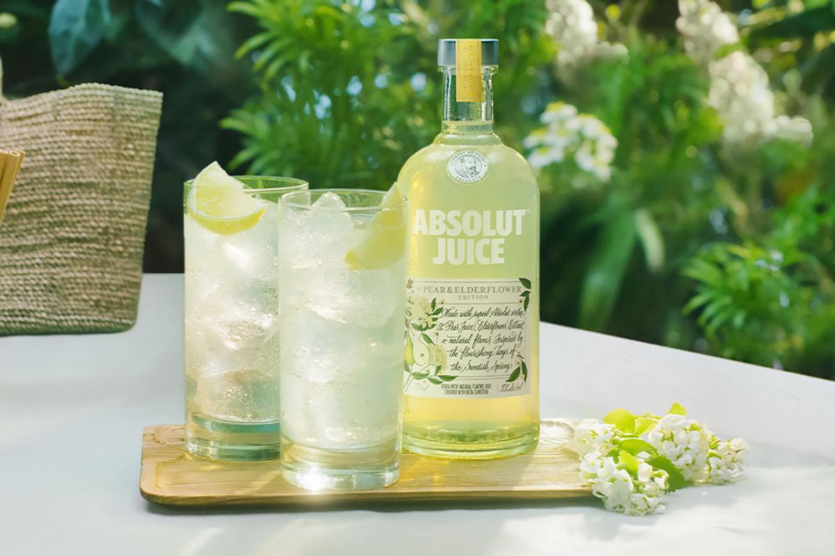 mother's day spirit: Absolut Juice Pear & Elderflower Edition