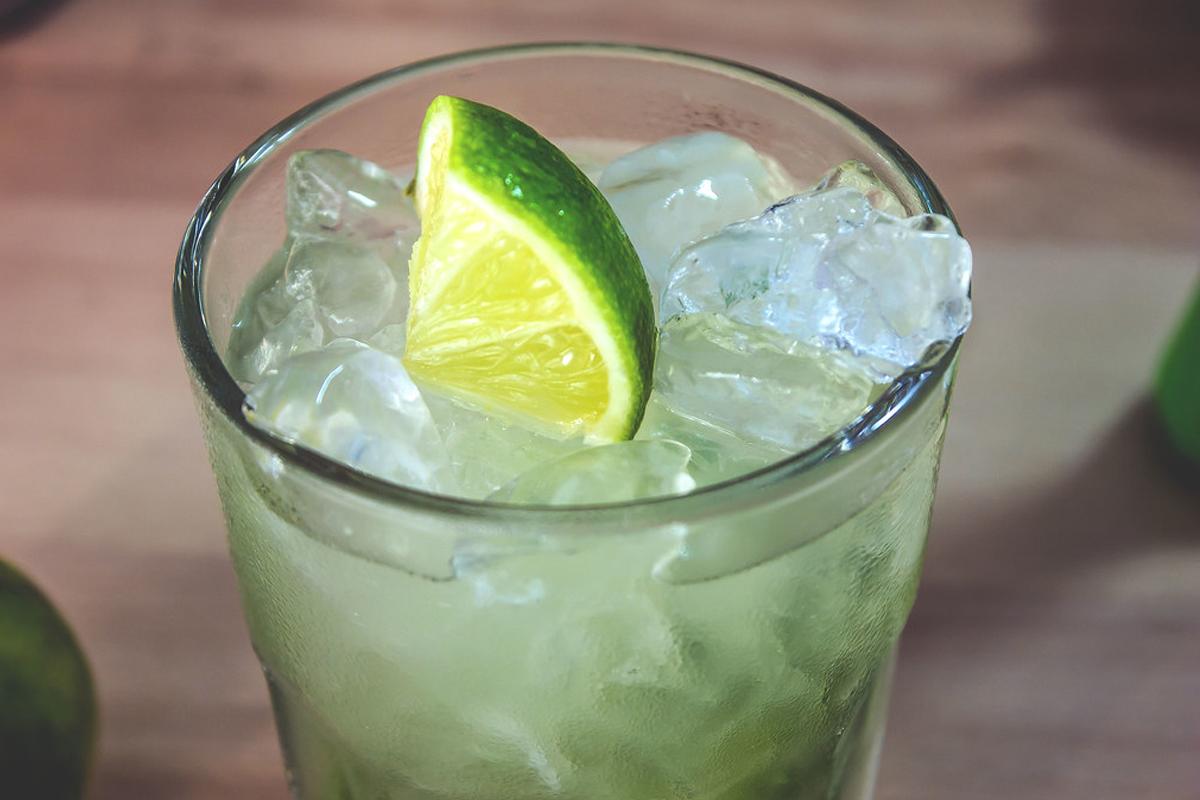 world cocktail: Caipirinha