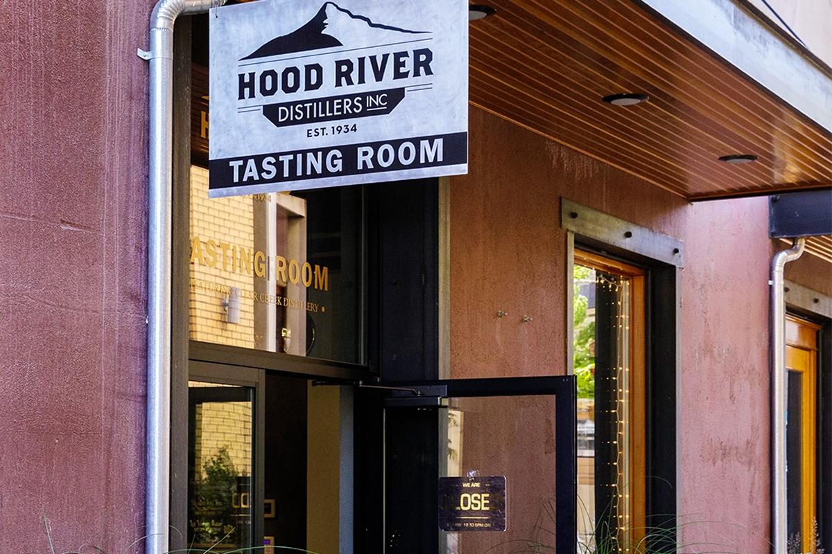 Hood River Distillers: Tasting Room