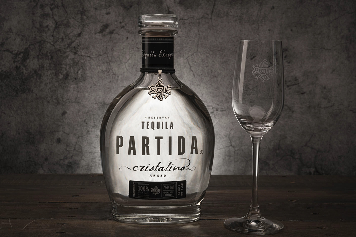 maestro dobel 50: Partida Añejo Cristalino Tequila