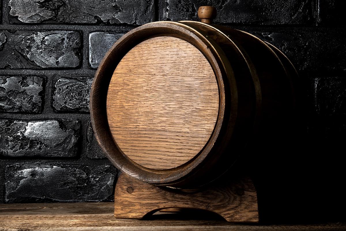Aging Whiskey at Home: Mini oak barrel