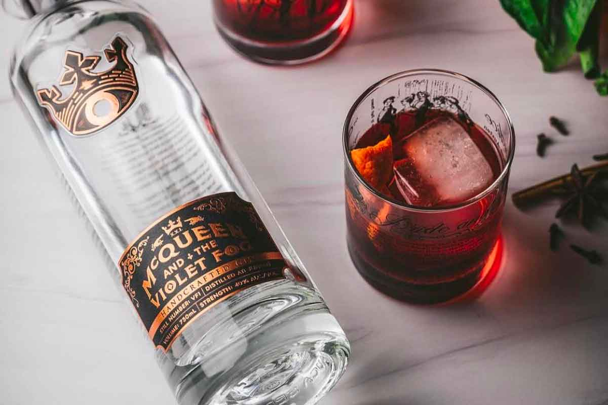 world gin: McQueen and the Violet Fog