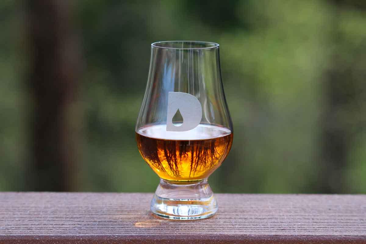 drink whiskey: glencairn