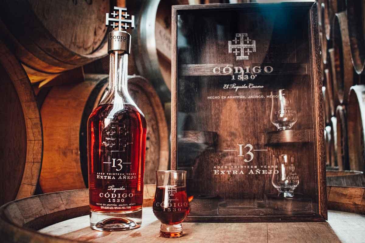 Heavy Char Wheat Whiskey: Código 1530Extra Añejo 13 Year