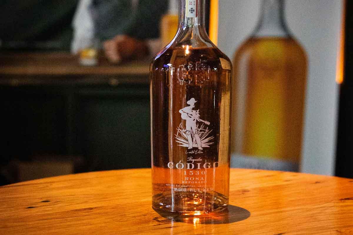 Hudson Whiskey Four Part Harmony: Código 1530 x George Strait Rosa-Reposado