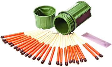 Picture of Uco   Stormproof Match Kit. Green. 25 Matches And 3 Replaceable Strikers.