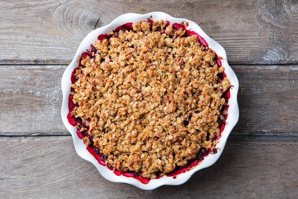 berry crumble dessert oats sugar copy