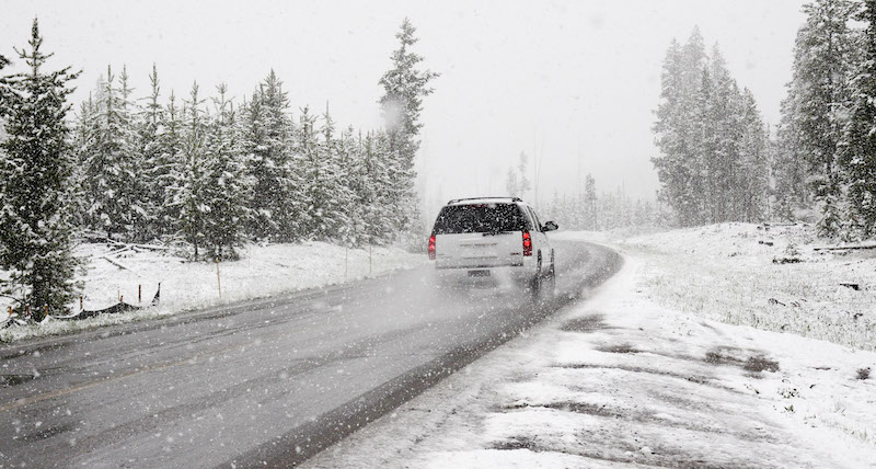 Practice Driver Knowledge Test and Learn 10 Tips about Driving on Snowy and Icy Road - driver-start.com