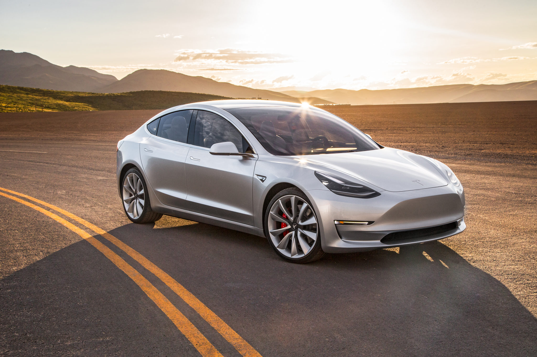Tips for Driving an Electric Car - driver-start.com
