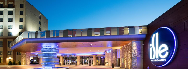 Exterior view of Isle Casino Hotel Bettendorf