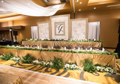 Head table for wedding party
