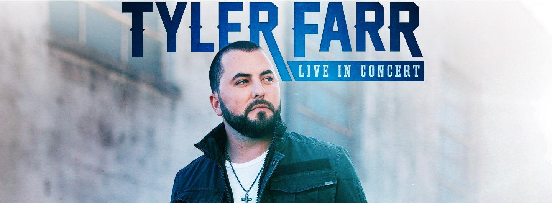 Tyler Farr posing