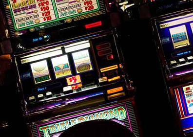 Closeup shot of Triple Diamond slot machine
