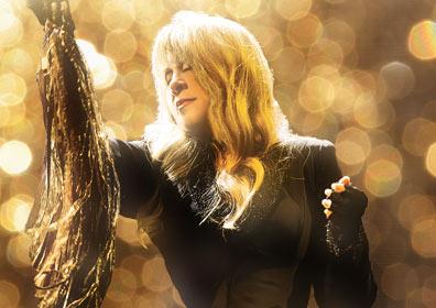Stevie Nicks performing with Pretenders