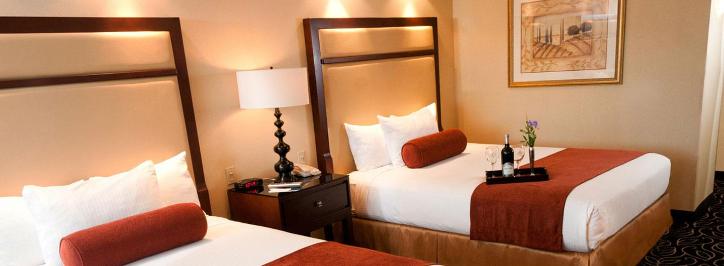 Located in one of our three hotel towers, our Deluxe rooms are a spacious 290 to 360 square feet, based on your room preference of one California king or two queen sized beds.