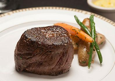 Filet steak with vegetable garnish