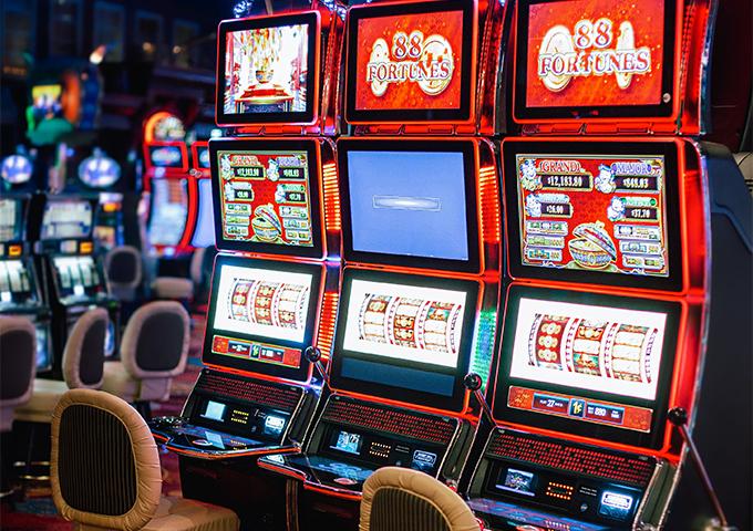 Reno Slots | Over 1,000 Slot Machines | Silver Legacy Resort Casino