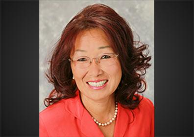 Beth Lau, Executive Host
