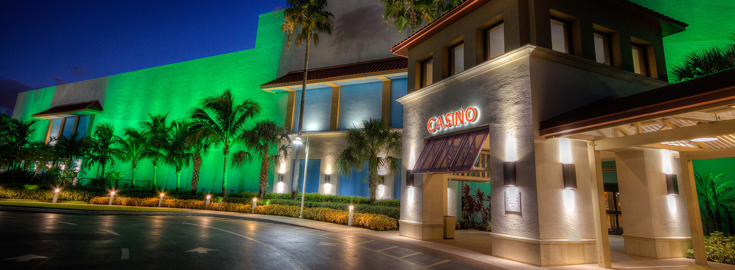 Exterior building photograph of Isle Casino Racing Pompano Part at night