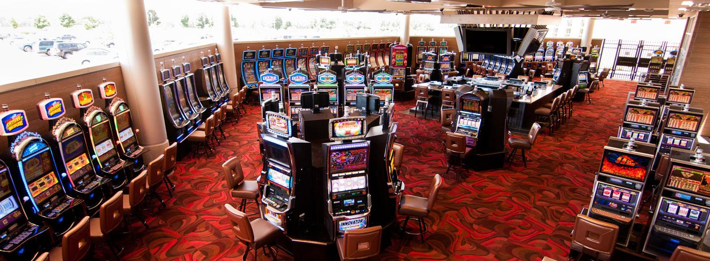 Photo of the Gaming Pavilion with many VLTs and centralized bar at Eldorado Scioto Downs
