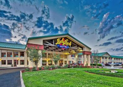 Exterior view of Lady Luck Casino Vicksburg