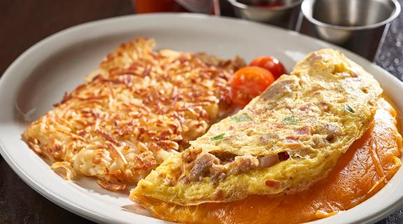 An Omelette with hash browns at The Lone Wolf