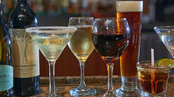 Different alcoholic beverages at Otis & Henry's Steakhouse