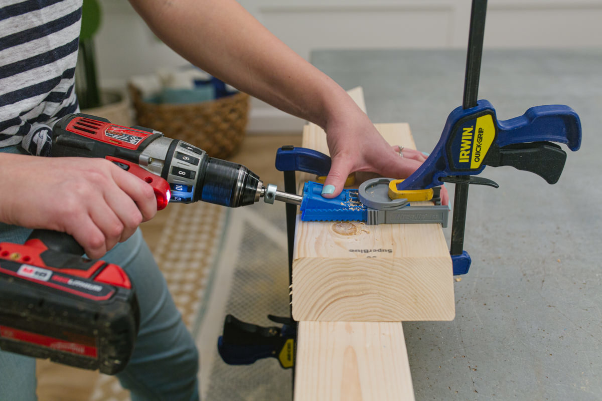 clamp down the kreg jig to the board