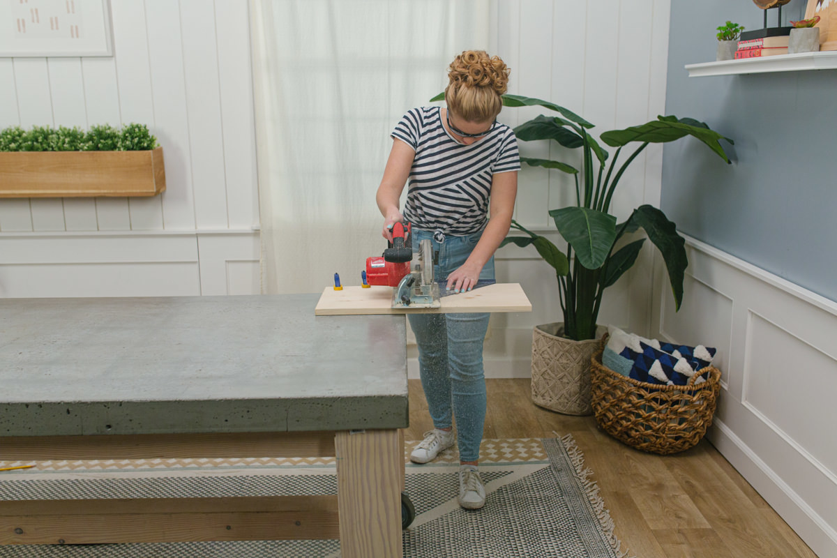 use circle saw for end table