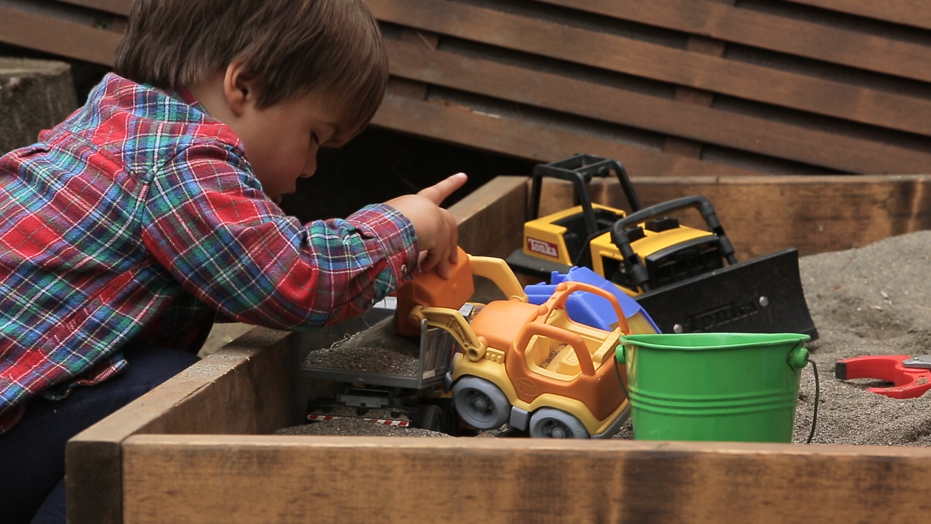 how to build a diy sandbox for kids