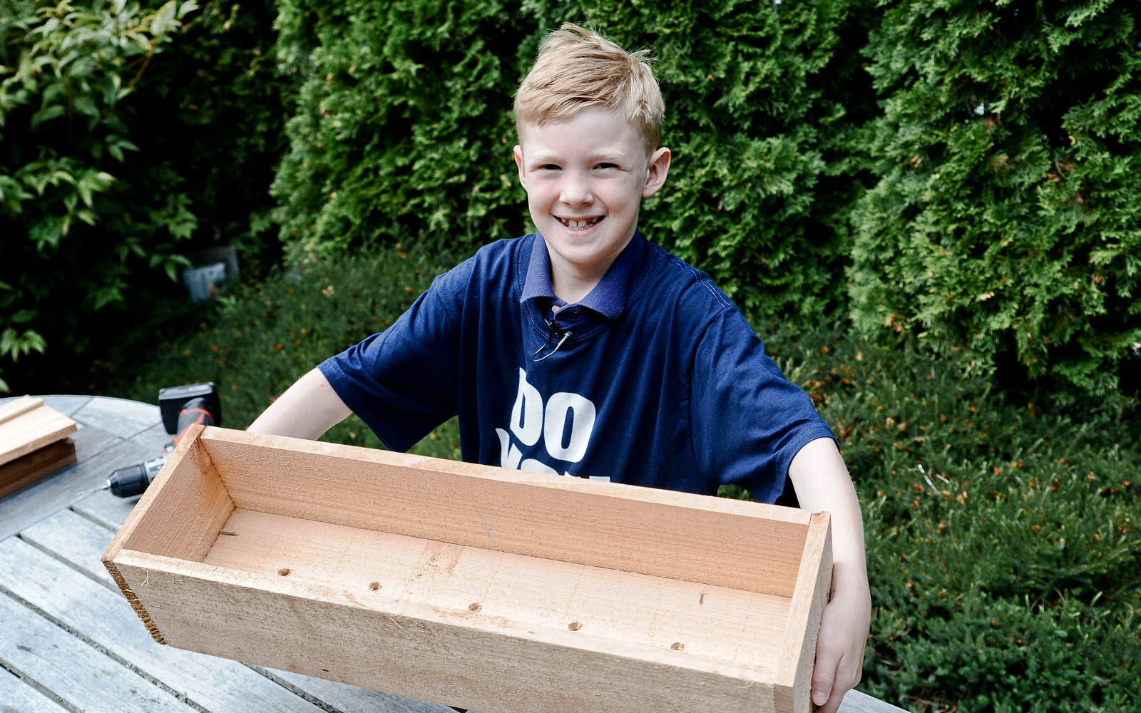 make a flower box for kids at Seattle garden show