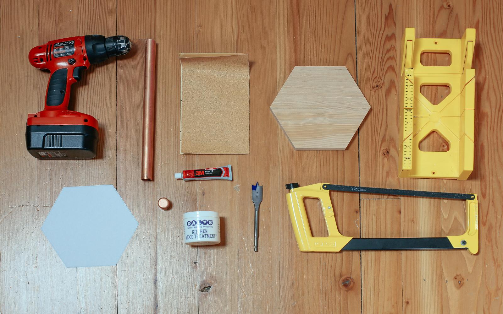 materials for diy paper towel holder