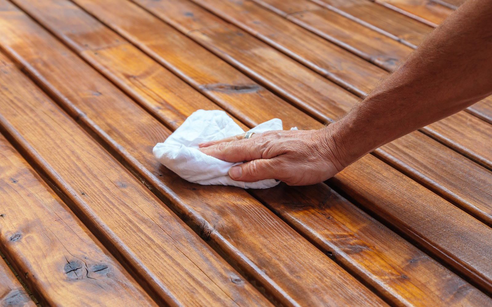 wipe of deck stain