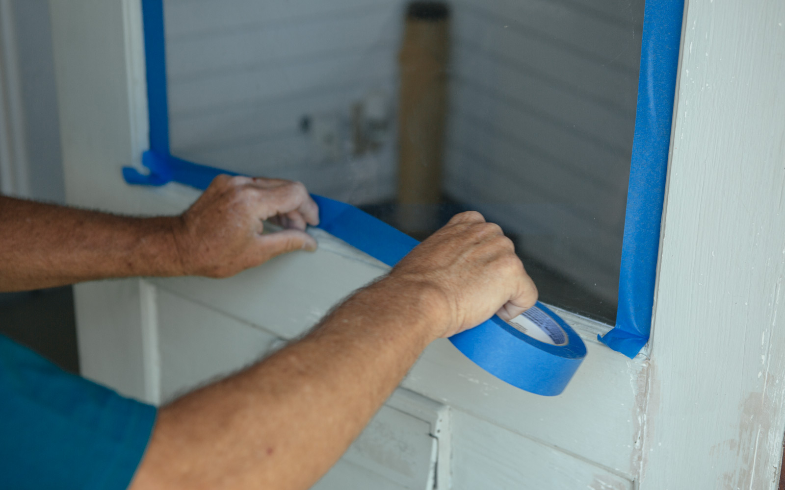 taping door for paint