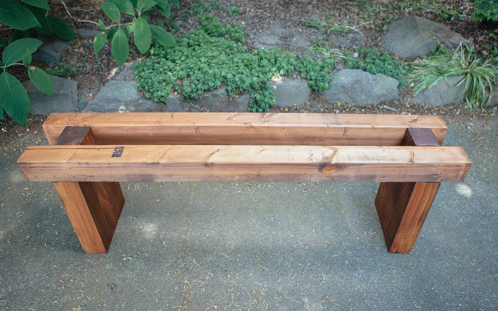 assemble diy bench