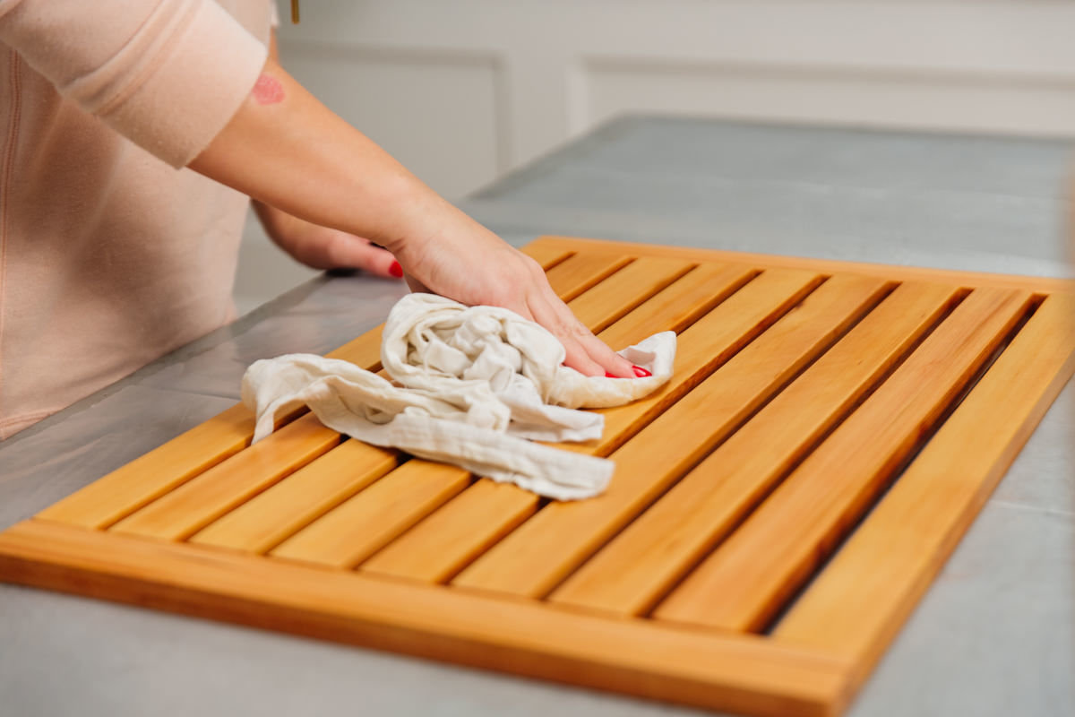 Wiping cedar bathroom shower mat